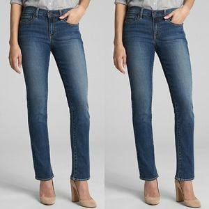 Gap straight leg medium wash jeans
